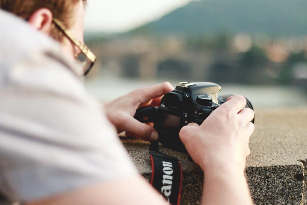 Canon : L'idée de scanner des empreintes digitales fait plus que simplement verrouiller l'appareil photo