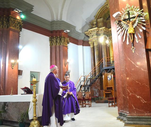 Entronización de la Cruz del Señor del Milagro de Salta