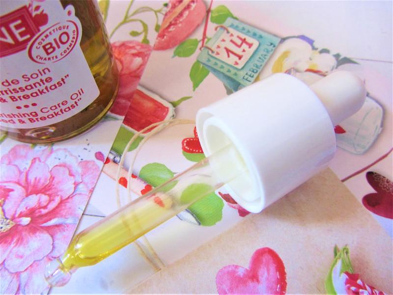akane-huile-soin-nourrissante-visage-bio-peaux-seches-thecityandbeauty.wordpress.com-blog-beaute-femme-IMG_9229 (2)