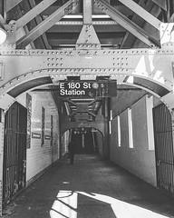 E 180 Street subway station