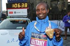 Má se Paula třást o svůj rekord? Sledujte nedělní maraton v Londýně