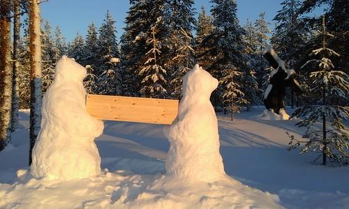 Kontiotuotteen ahkerat lumikarhut