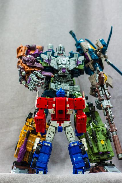 Bruticus VS Prime 2