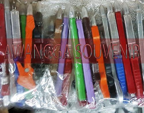 souvenir pen perkakas