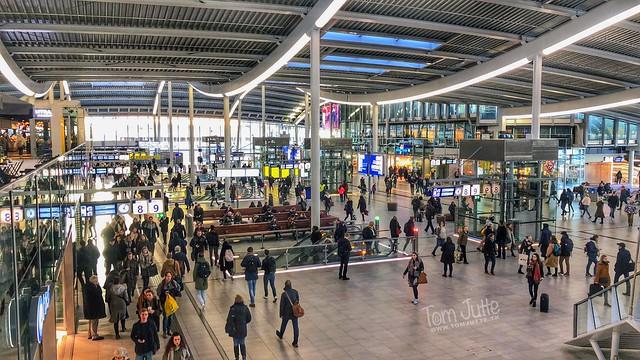 Stationshal, Centraal Station Urecht, Netherlands - 0716