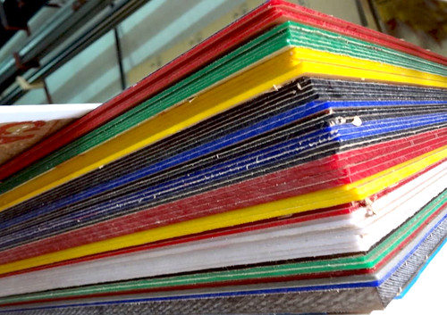 Mica tấm với nhiều màu sắc phong phú