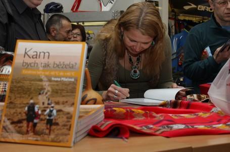 Běžecká cestovatelka připravila dotisk knihy