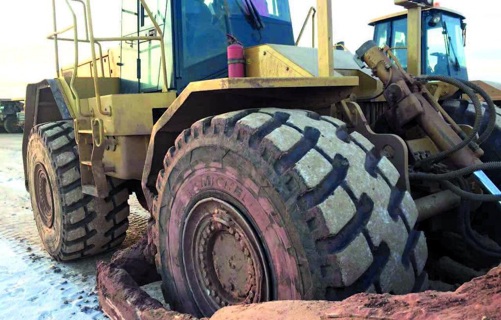 Экскаватор на шинах Michelin