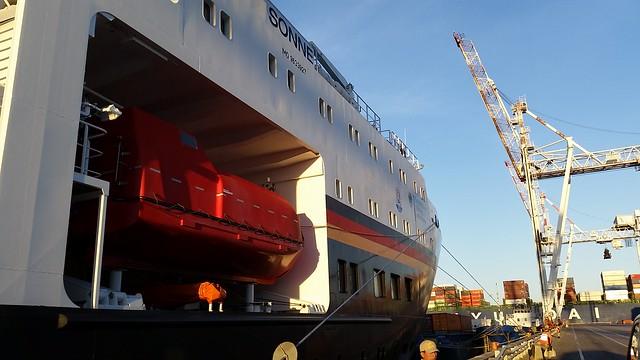 Visita al buque oceanográfico alemán Sonne