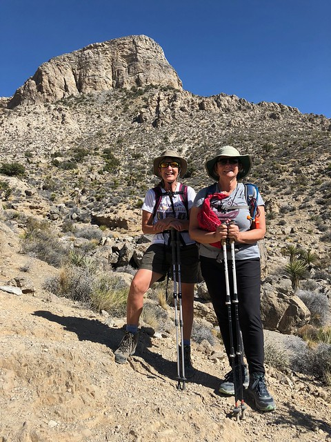 Las Vegas - Linda and Tammie with the climbed Turtlehead Peak