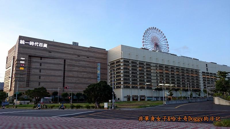 高雄百貨公司09統一夢時代購物中心01