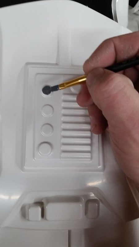 Painting Greay Buttons
