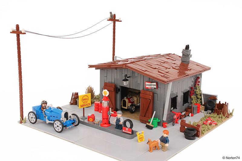 Antique gas station - LEGO Bugatti