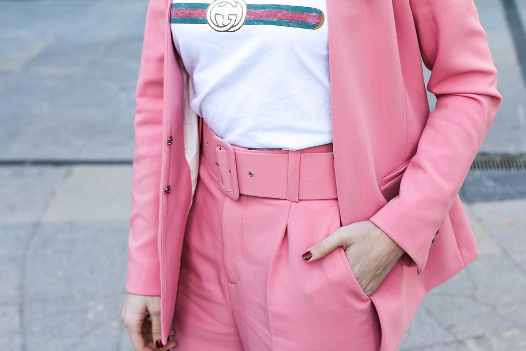 traje rosa zara-3