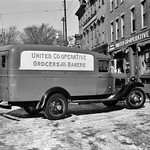 One+of+a+fleet+of+trucks+owned+by+United+Cooperative+Society%2C+Fitchburg%2C+Massachusetts%2C+January+1936.