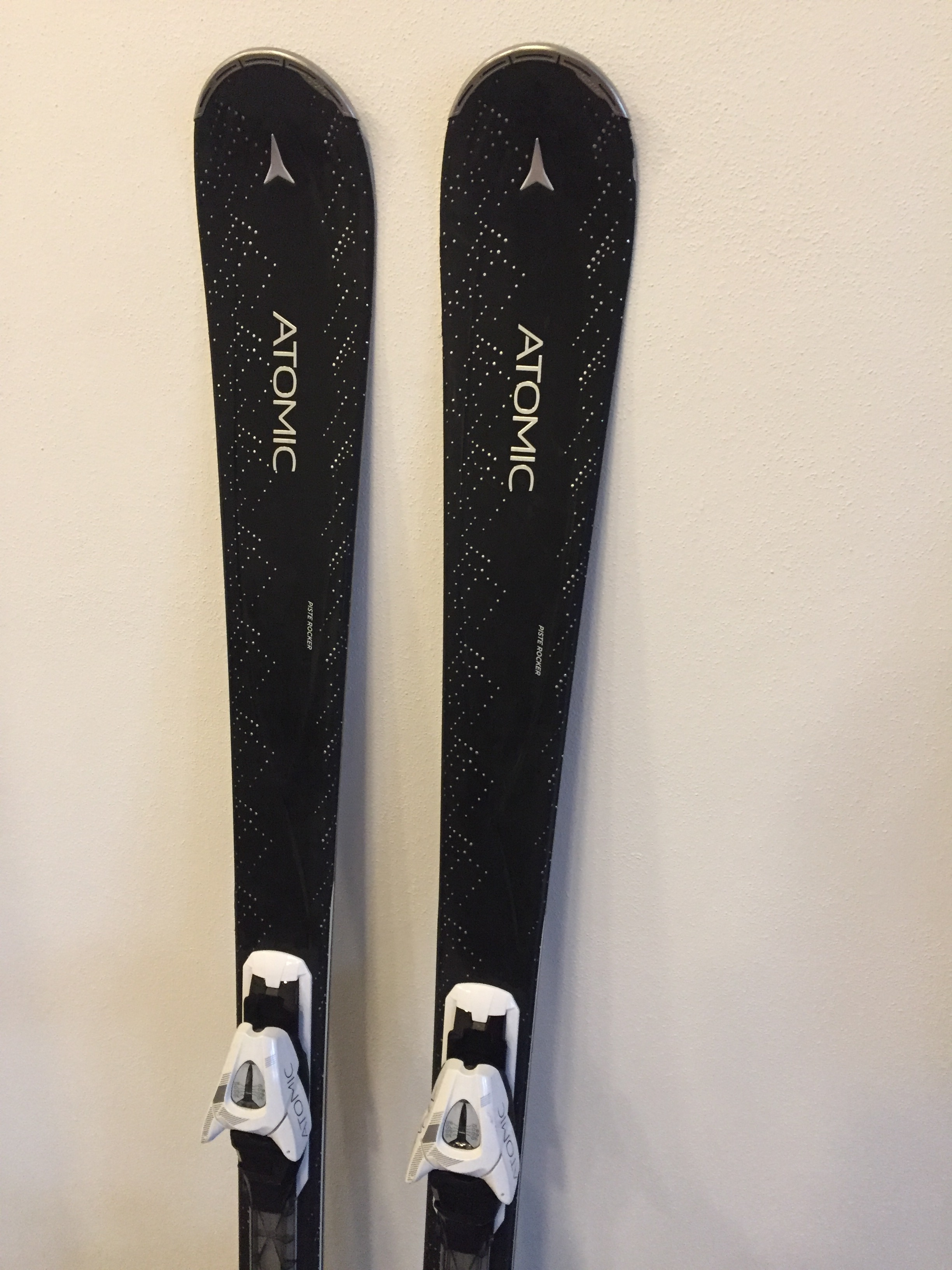 Dámské lyže ATOMIC CLOUD - Bazar - SNOW.CZ b44f29cee1c