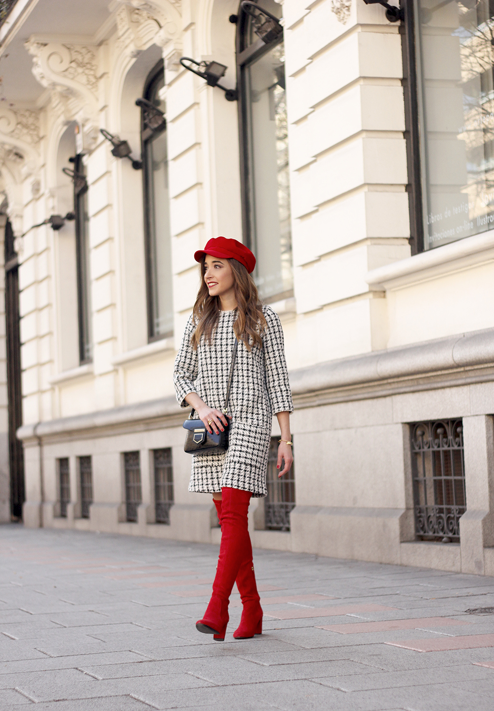 squares dress red over the knee boots givenchy bag red cap winter outfit look invierno03