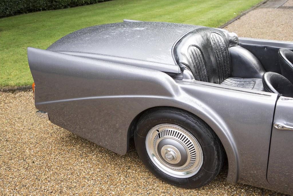 Daimler-SP250-1