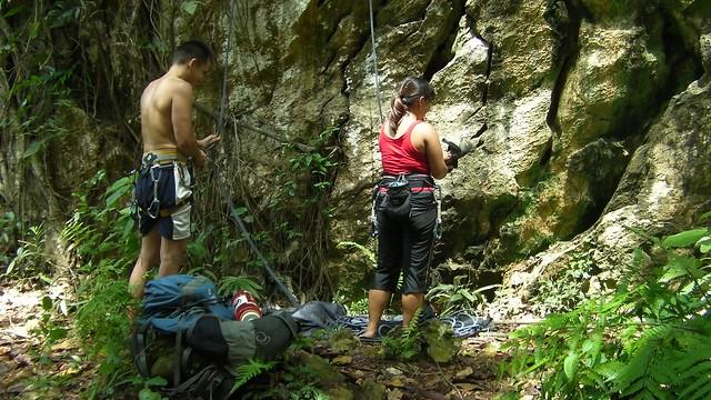 rock_climbing_sweethearts