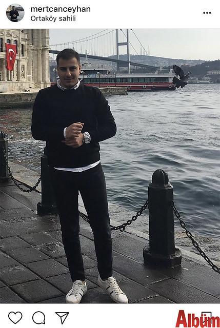 İç Mimar ve Çevre Tasarımcısı Mert Can Ceyhan, Ortaköy Sahil 'de Boğaz manzarasının tadını çıkardı.