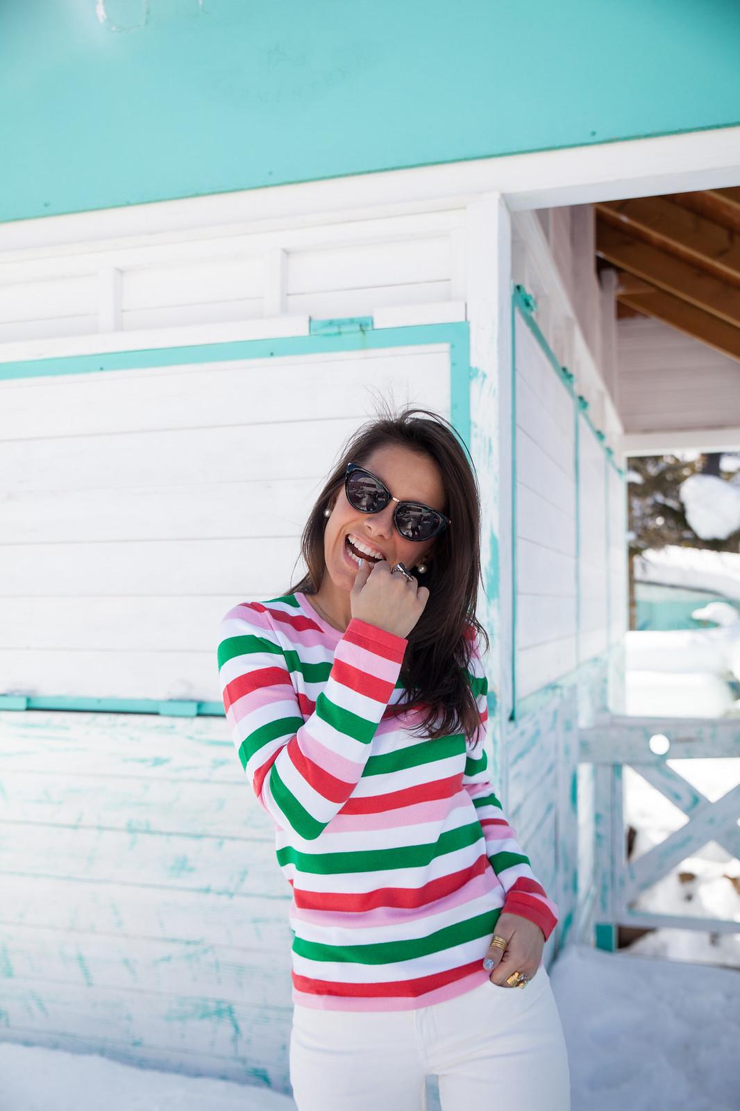 LOOK JERSEY RAYAS MULTICOLOR theguestgirl felicidad influencer barcelona spain laura santolaria look rayas rosas rojas verde loavies outfit