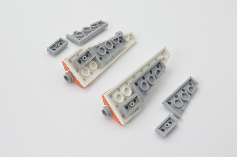 LEGO T-47 Snowspeeder - Micro Speeder Step 7
