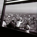 Image de Space Needle près de City of Seattle. seattlemunicipalarchives seattle worldsfair century21 spaceneedle 1960s