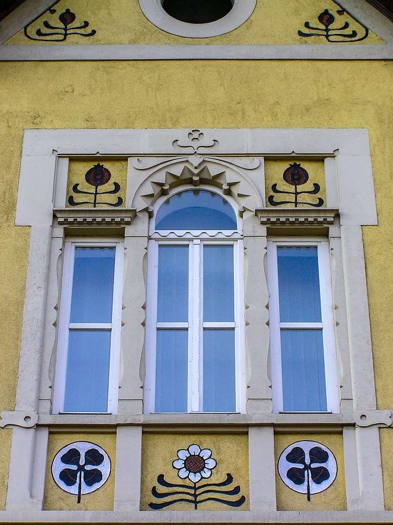Window with reliefs