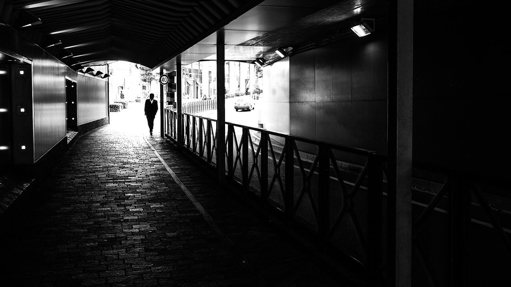White collar - Tokyo, Japan - Black and white street photography