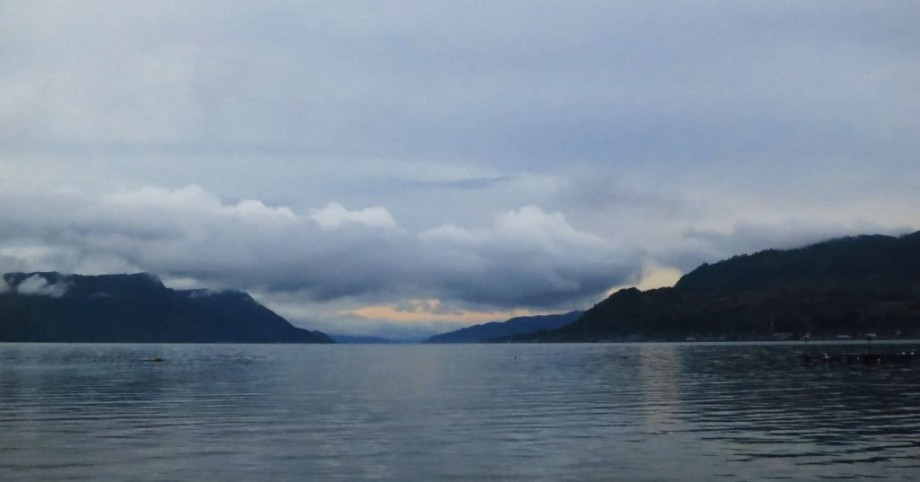 lake toba samosir island