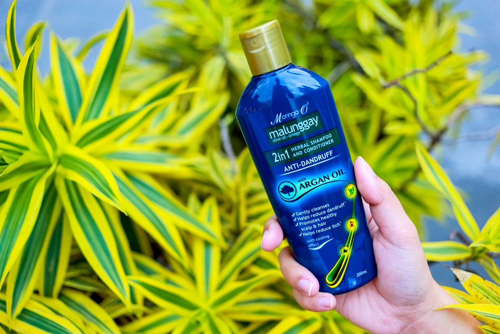 Moringa O2 2-in-1 Anti-Dandruff Shampoo and Conditioner