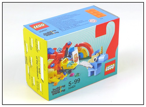 LEGO 10401 Rainbow Fun - Happy! 02