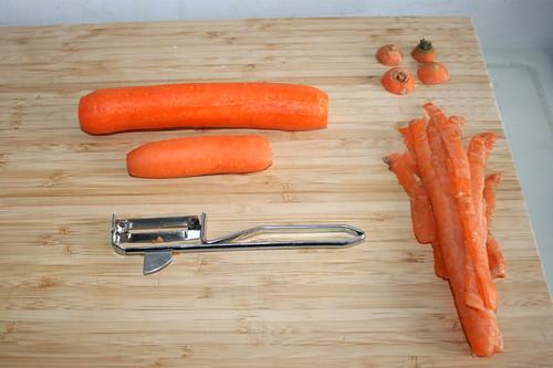 22 - Möhren schälen / Peel carrots