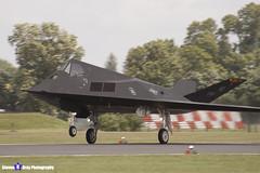84-0825 - A.4039 - US Air Force - Lockheed F-117A Nighthawk - RIAT 2007 Fairford - 070714 - Steven Gray - IMG_6088