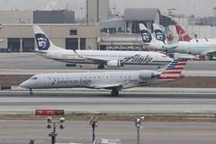 CRJ700, Los Angeles Int, N740SK  16-11-2017