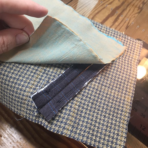 Tutorial: Double-Welt Pocket w/Grosgrain Ribbon