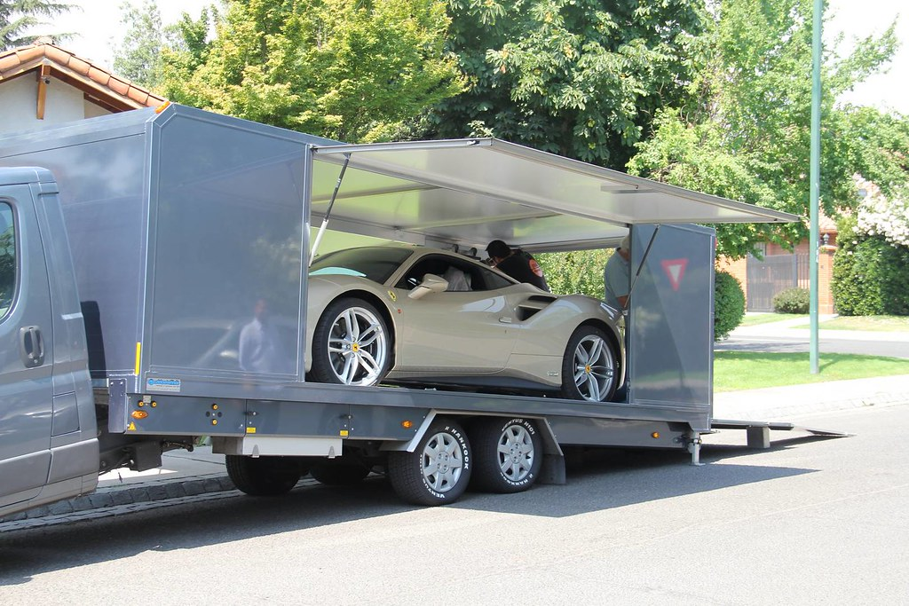 70th-Anniversary-Ferrari-488-2