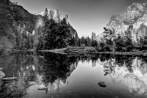 yosemitenationalpark mercedriver elcapitan usa ustour ustourism usattraction cathedralrocks valleyviewpoint