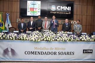 Entrega da maior comenda da cidade: Medalha de Mérito Comendador Soares.