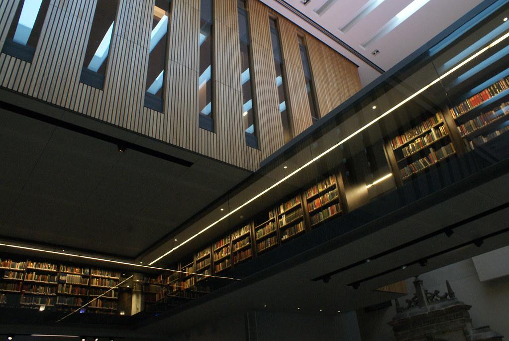 Batiment moderne de la Weston Library à Oxford.