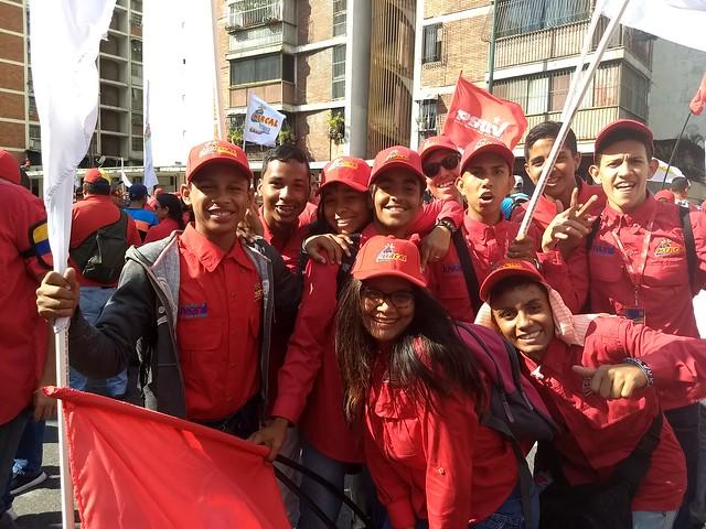 População venezuelana sai às ruas para defender legado de Hugo Chávez
