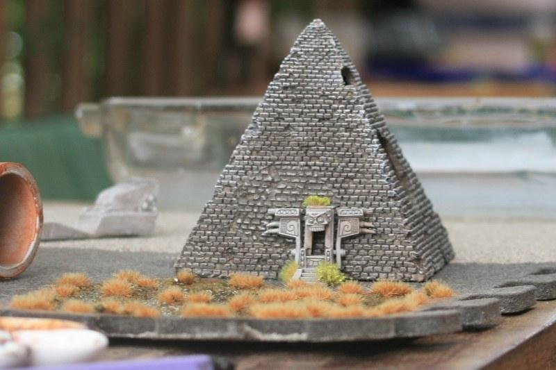 [Décors Aquarium] Une pyramide 27914688859_18501a2cf0_c