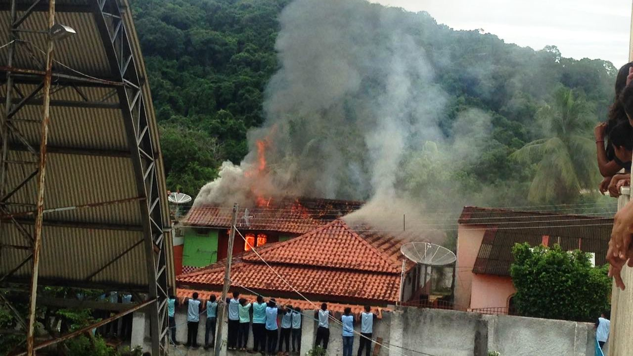 Fogo atinge casa dos pais de preso acusado de matar por rixa em Óbidos