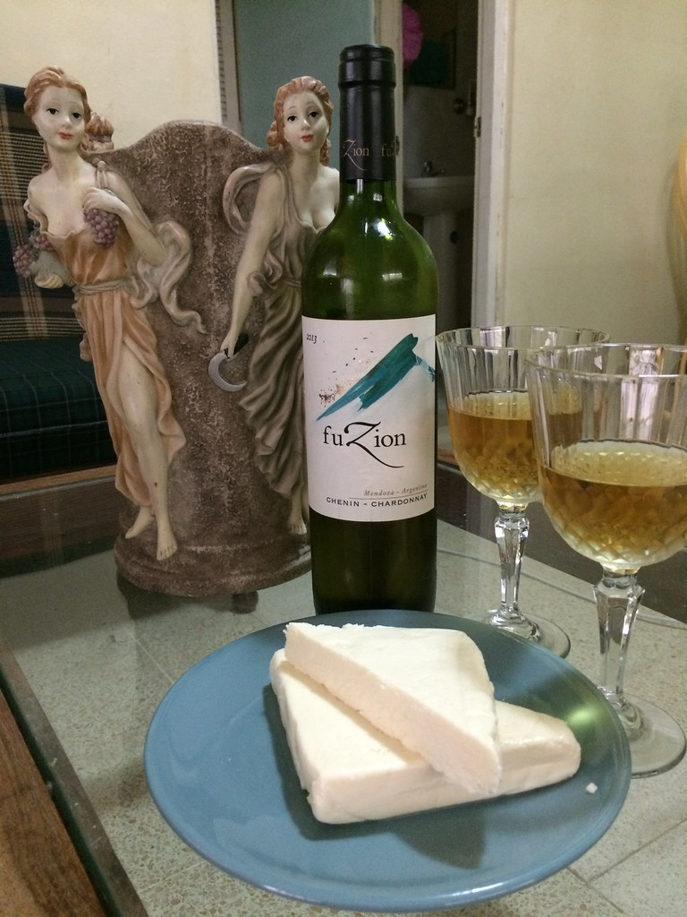 Fuzion Chenin Blanc/Chardonnay and Quesos Deleite