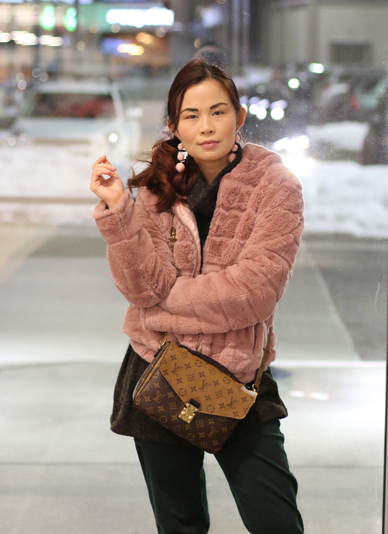 pinkblush-turtleneck-sweater-lv-bag-pink-faux-fur-jacket-3