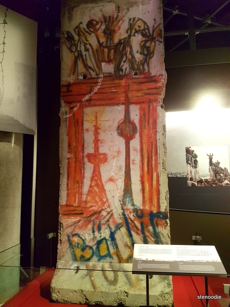 Piece of the Berlin Wall given to Canada