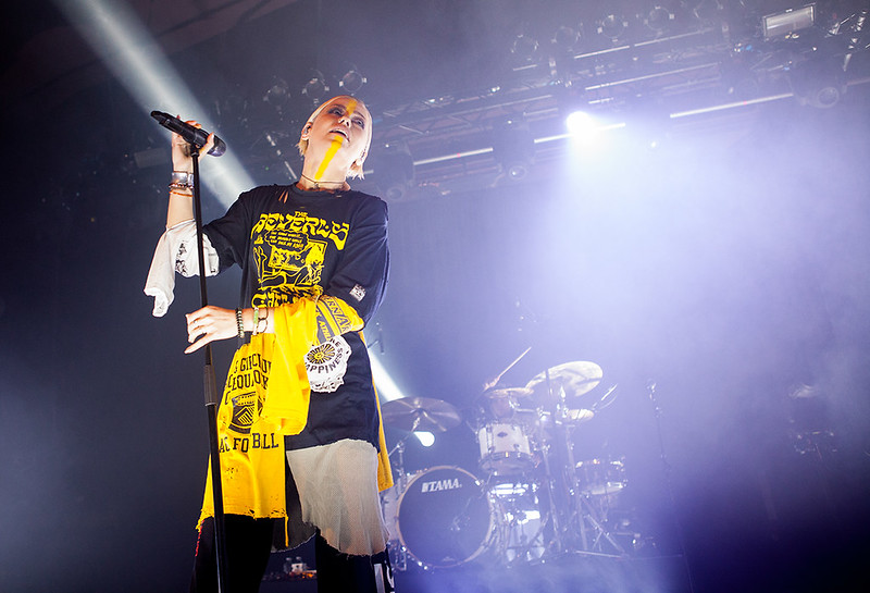 TONIGHT ALIVE-22