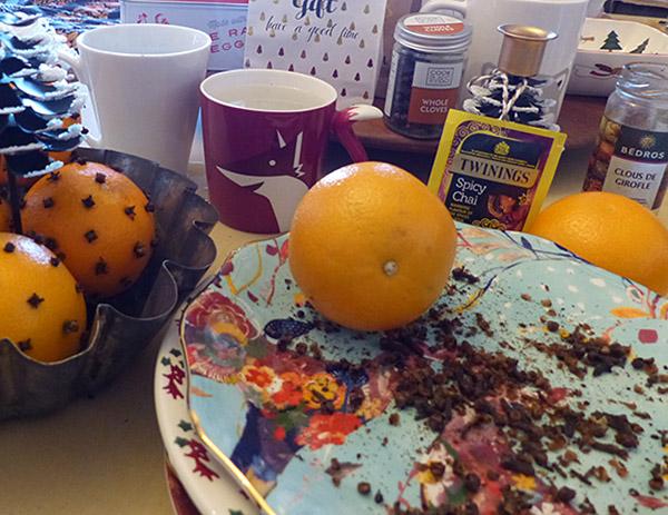 oranges cloutées