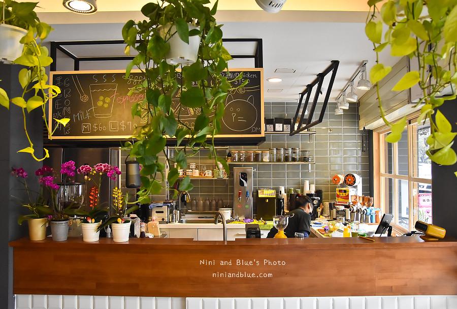 台中D.M cafe 青海路04