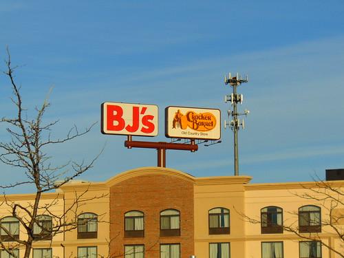 BJ's/Cracker Barrel (Coventry, Rhode Island)